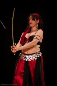 Danza_oriental_pirata1