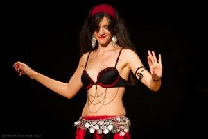Danza_oriental_pirata15