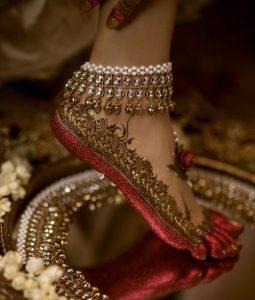 Tobillera india y tatuajes de pie