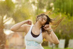 zumba madrid clases beneficios danza autoestima felicidad