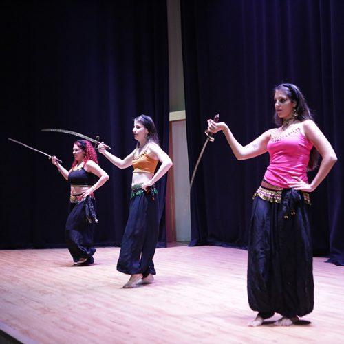 danza oriental con sable 2
