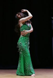 Danza del vientre brazos manos clases madrid